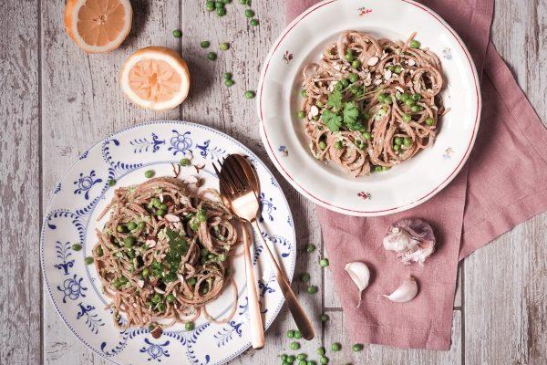 Špagety s citrónovou ricottou a hráškem
