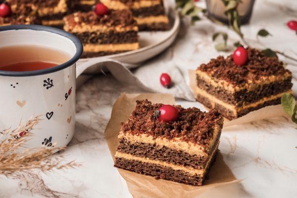 Perník se šípkovou marmeládou a dýňovým krémem